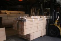杉貼の梁等の出荷